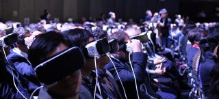 Samsungs_Virtual_Reality_MWC_2016_Press_Conference_26420235490.jpg